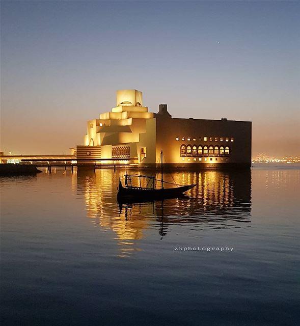 ..ممتلئ بك، جلداً، دماً، وعظاماً، وعقلاً وروحاً، لا مكان لنقص رجاء، أو للرج (Museum of Islamic Art (MIA))
