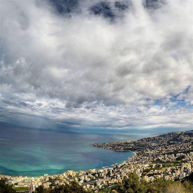 Life vibes 🍃.. jounieh jouniehbay cloudporn nature_shooters ... (Harîssa, Mont-Liban, Lebanon)