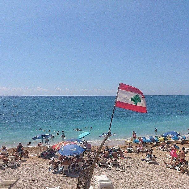 Yaz gelse de bolca plaj manzaralı ayak fotoları paylaşsak... ❤🌲❤🌲... (Byblos, Lebanon)