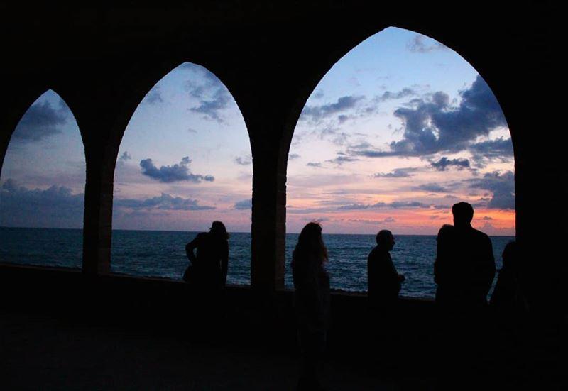 sunset dusk sillhouette arc atchitecture skyfullofcolors ... (Al Batrun, Liban-Nord, Lebanon)