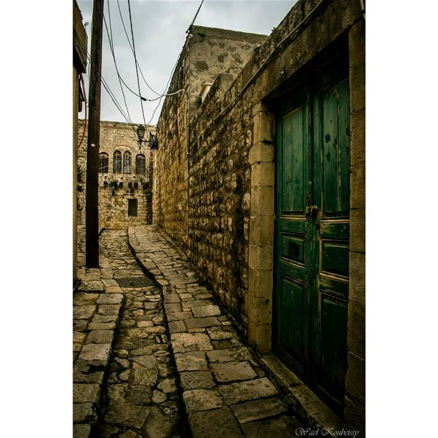 lebanon heritage old door stone alley floor street entrance ... (Deïr El Qamar, Mont-Liban, Lebanon)