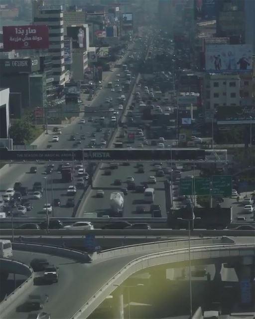 Rush hour 🚙🚕🚌🚗🚐By @mikeroscopik Jdaydeh Beyrouth Beirut Liban ... (Jedeide, Mont-Liban, Lebanon)