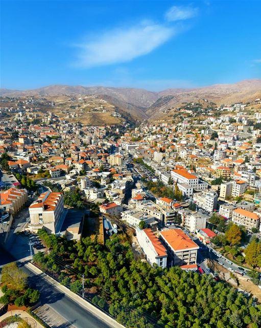 زحلة يا جارة الوادي ومن أجمل مدن لبنان ❤ Have a wonderful weekend 🌞 ----- (Zahlé, Lebanon)