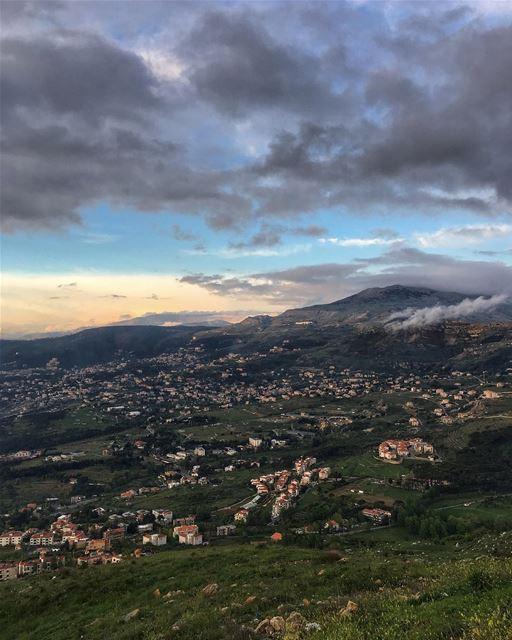 YES, Weekend ✅ peterwenmaken livelovesawfar @livelovehammana ........ (Sawfar, Mont-Liban, Lebanon)