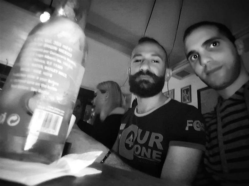 Beer 🍻 with mi amigo amigo friends night out burger beer bearedman... (Li Beirut لبيروت)