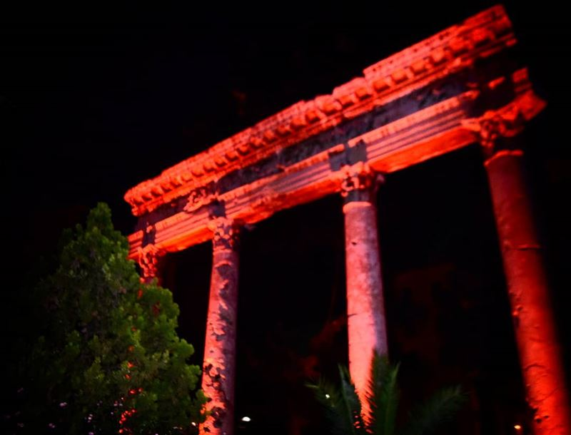 lanuitdesmusees temple red night color photography nikon ... (Beirut, Lebanon)