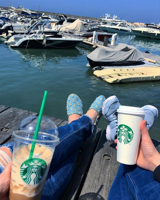 When coffee addicts meet 👭☕️.. bff  coffeewithaview  coffeewithfriends... (Saint-George Hotel,Yacht Club & Marina)