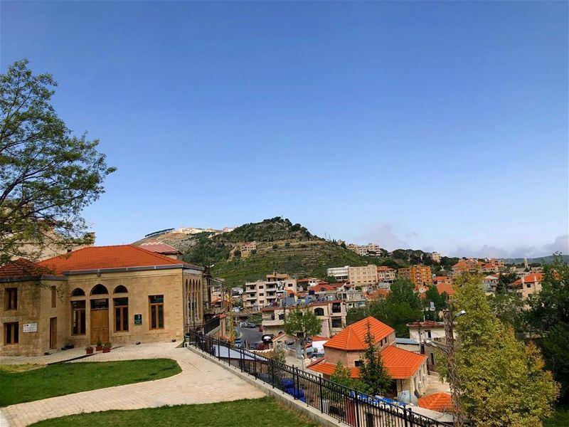 lebanesehouses jezzine amazingplace everythingisawesome naturelovers ... (Jezzîne, Al Janub, Lebanon)