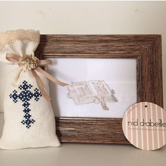 My first communion 🌿Write it on fabric by nid d'abeille  crossstitch ...