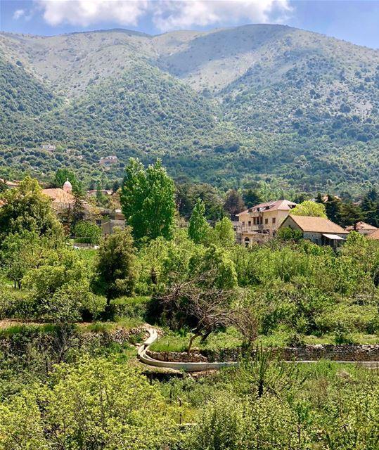 Scoping-up the mountains seen from the village of Maasser(word means... (Maasser Ech Chouf, Béqaa, Lebanon)