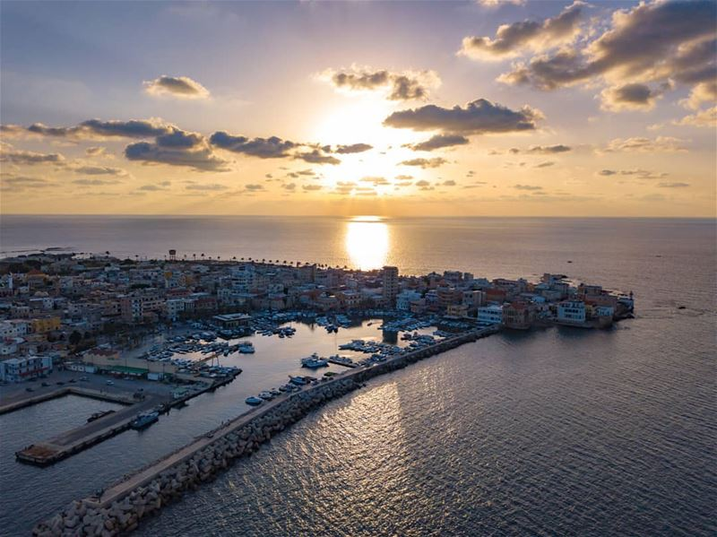 The beauty of a sunset.... AboveLebanon Lebanon LiveLoveBeirut ... (Tyre, Lebanon)