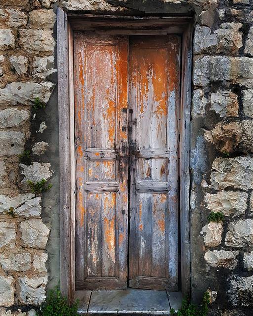 Old ways won't open new doors .. 🚪... (Jadra, Mont-Liban, Lebanon)