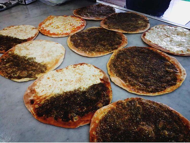 Breakfast is ready for being served!! Bon appetite dear followers😋❤️••• (Rashet somsom - رشة سمسم)