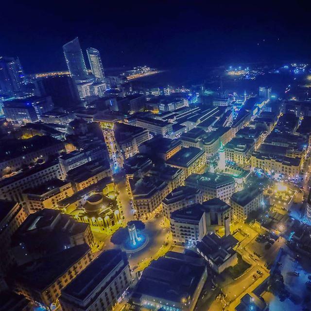 Lights of Beirut 🇱🇧🌃🇱🇧 .... lebanon beirut beirutcityguide ... (Parc de l'Étoile)