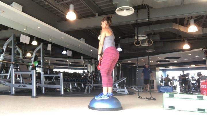 bosu  balance used to be a  pieceofcake for me, and those who know me... (Dubai, United Arab Emirates)