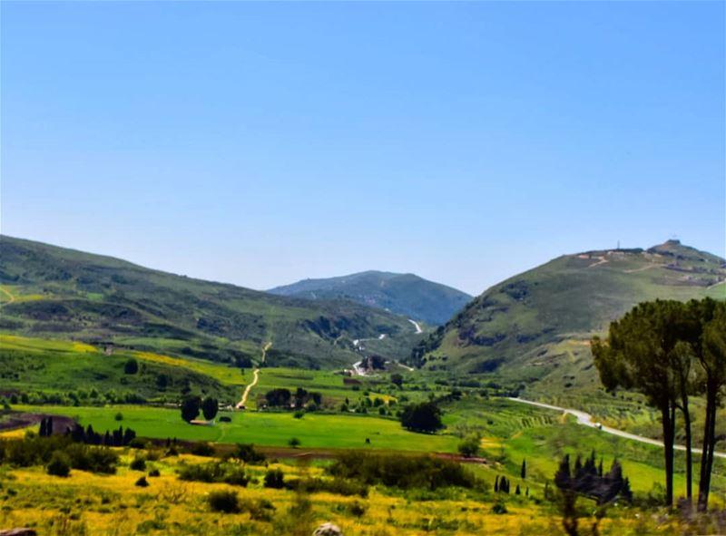 Palette de couleurs naturelles. lebanoninapicture ptk_lebanon ... (Aichiya)