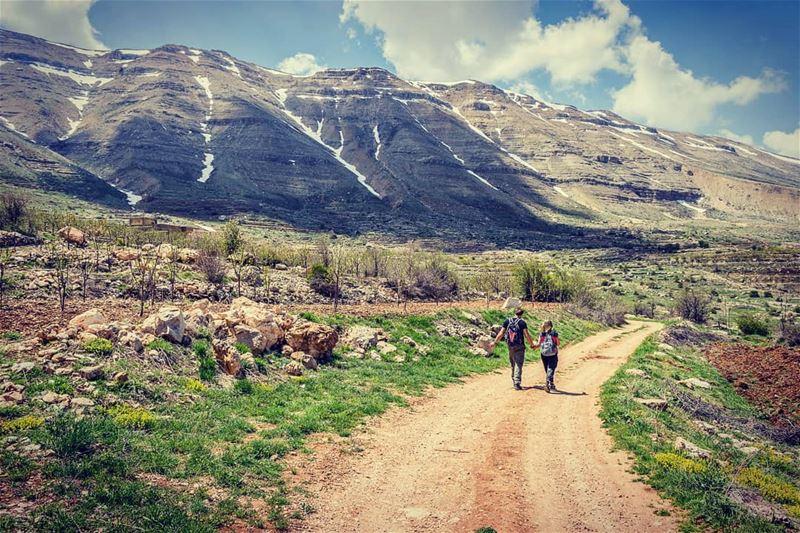 Stroll near the high mountains... (Lebanon)