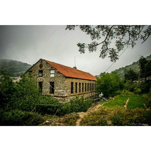 oldlebanon  lebanon  old  church  abandoned  abandonedplaces  building ... (Chouf)