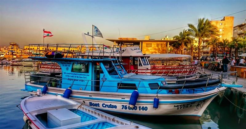🛥 tyrepage livelovetyre takenbyme ptk_Lebanon visitlebanon ... (مدينة صور - Tyre City)