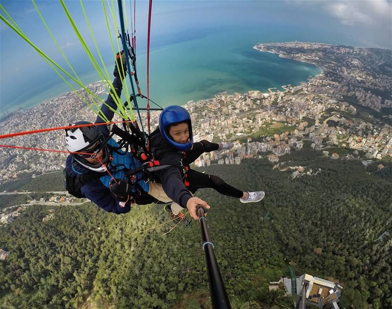Show me to a higher place.🦅Take me to outer space.🌍@liveloveparagliding
