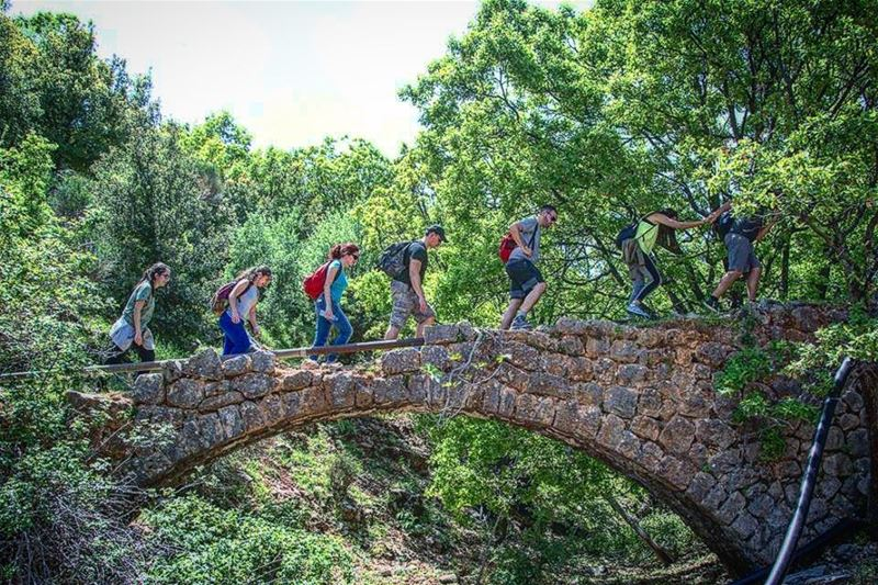 على جسر اللوزية ⛩. .Sur le Pont d'Avignon 👭👫👬. WalkWithNature 👣 🍃 ... (Lebanon)