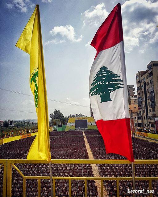 ووعدٌ صادقٌ أنتُموأنتُم نصرُنا الآتي...وأنتم من جبالِ الشمسِعاتيةٌ على ا (Tyre, Lebanon)