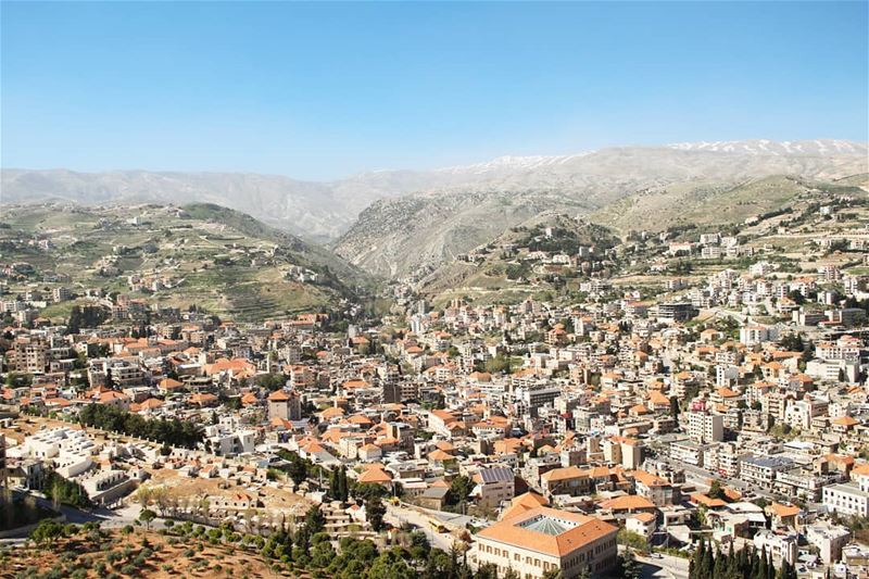 Homeland! livelovelebanon livelovezahle livelovebekaa showmelebanon ... (Zahlé, Lebanon)