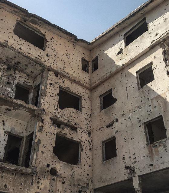 abandoned abandonedplaces oldbuilding warscars building architecture... (Lebanon)