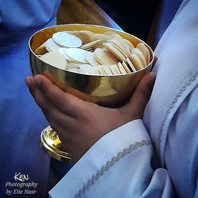 ... فَقَالَ لَهُمْ يَسُوعُ: «أَنَا هُوَ خُبْزُ الْحَيَاةِ. مَنْ يُقْبِلْ إ (Saint Rita Sin El Fil)