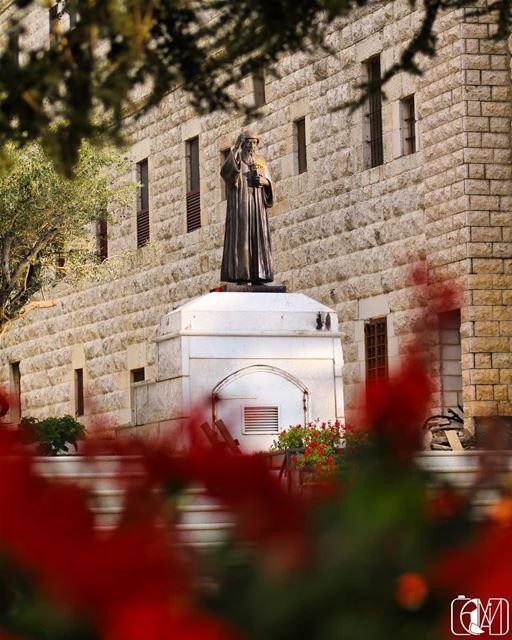 22 st_charbel pray For Lebanon insta_lebanon stcharbel ... (دير مار مارون عنايا ، ضريح القديس شربل)