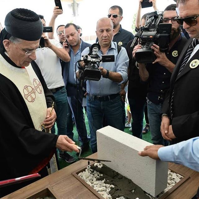 Benção da primeira pedra da Paróquia de São Charbel no Qatar, pela sua... (Qatar)