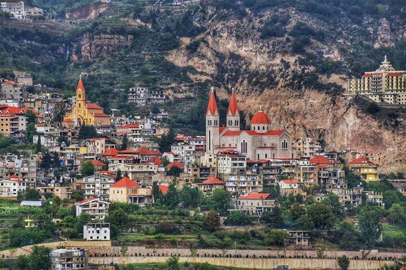 lebanon beirut bcharre photography livelovelebanon livelovebcharre... (Bcharreh, Liban-Nord, Lebanon)