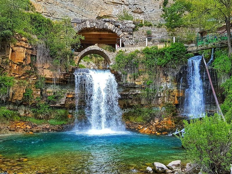 Afqa grotto, source of nahr Ibrahim river  river  waterfall  spring ... (Mghâret Afqa)