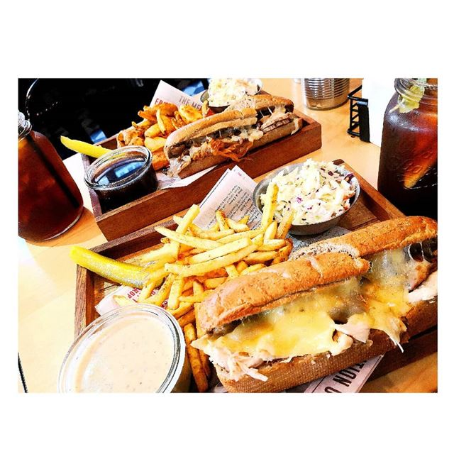 My heart goes with every melted cheese🧀 1st choice fish & chicken is the... (Brisket's French Dip Sandwiches)