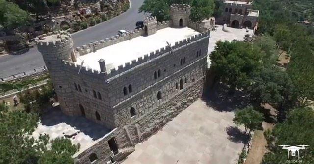 60 anos de amor, paixão e trabalho duro por traz de cada pedra do Castelo... (Moussa castleقلعة موسى)