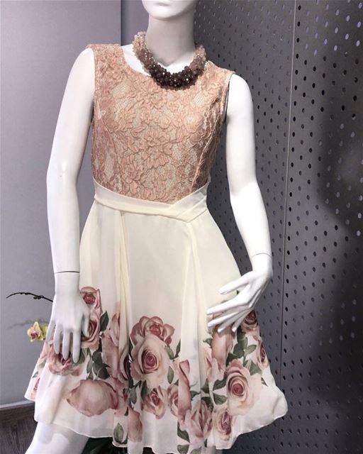 Simple Classy Dress DailySketchLook 292 shopping italian boutique ... (Er Râbié, Mont-Liban, Lebanon)