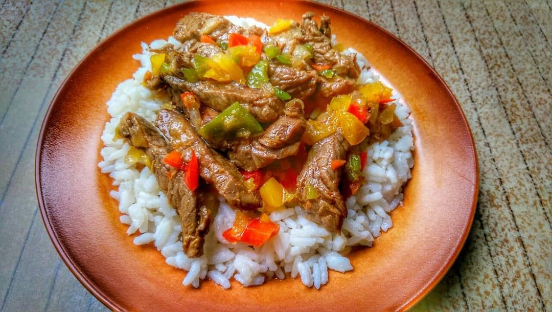 Mexican Beef with Veggies over Rice and Glazed Chicken Teryaki for lunch... (Em's cuisine)