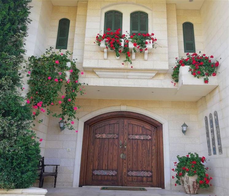 lebanonhouses oldhouse nostalgia beautiful lebanon flowers ...