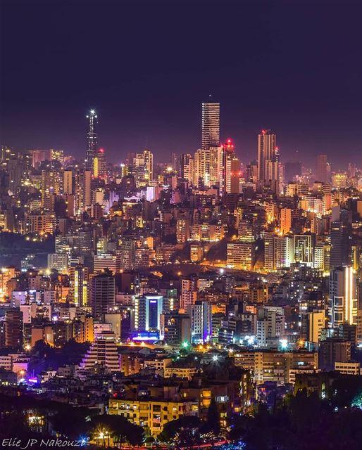 City lights 🌃By @elie.jp.nakouzi Beyrouth Beirut Liban Libano ... (Fanar, Mont-Liban, Lebanon)