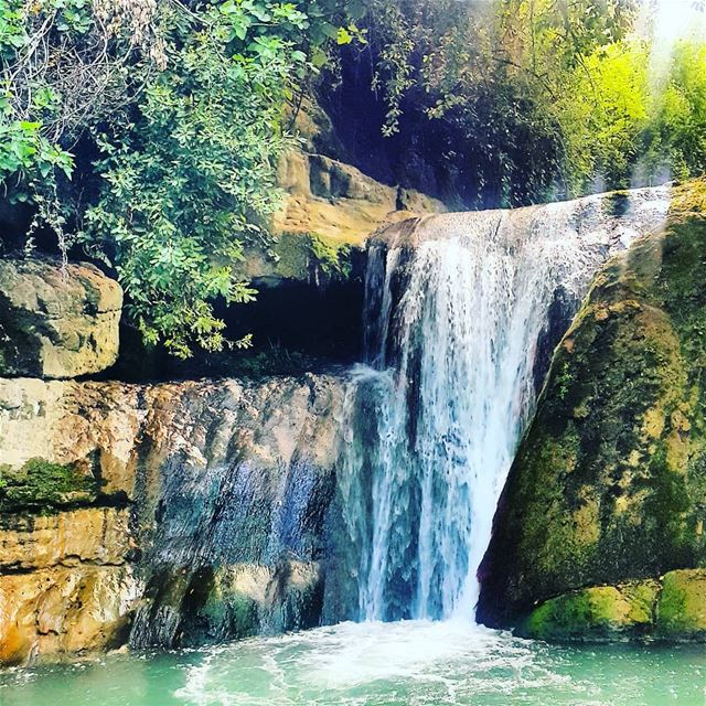 Just let go and fall like a little waterfall💧 hikingadventure hikingday... (El-Mukhtarah, Mont-Liban, Lebanon)
