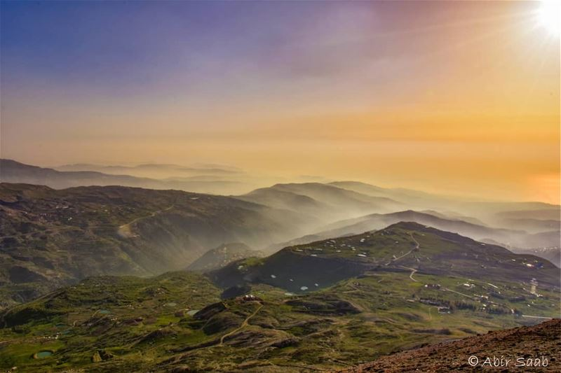 A calm sunset from Mzaar peak overlooking Bekich lebanon mzaar ... (Mzaar Ski Resort Kfardebian)