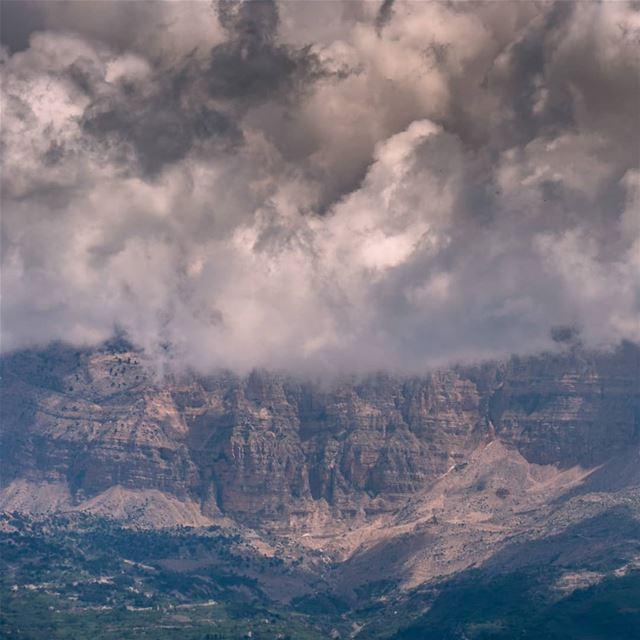 Danniyeh's Qal3a mountain, scenes from Turbol ... (Jabal Tourbol)