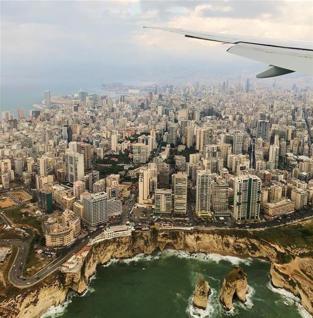 Beirut View ❤️By @bek_ee Rawché Rawshe Beyrouth Beirut Liban Libano... (Beirut, Lebanon)