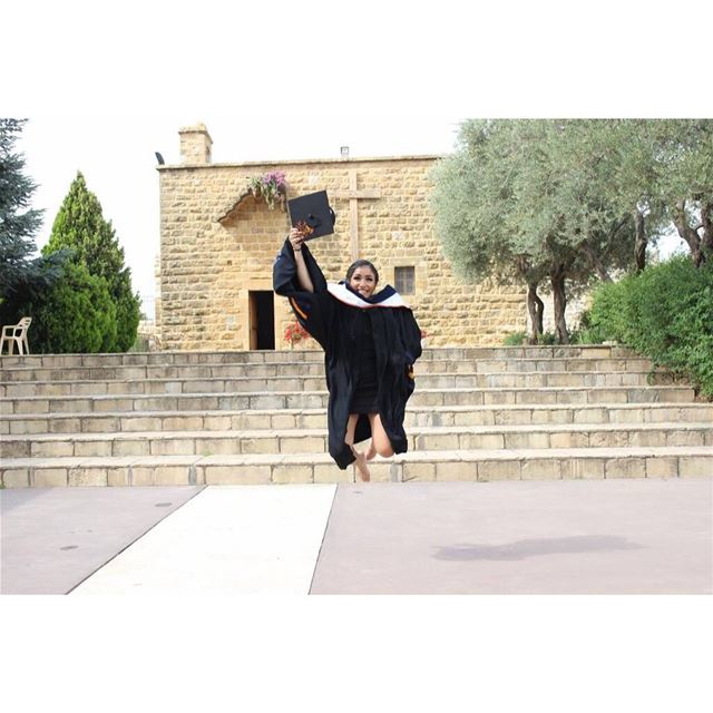 Are you graduating soon?👩🏻🎓🎓 book your photoshoot now by calling...