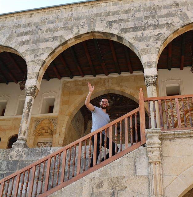 Just Smile & Wave 👋🏼 ExploreWithChris.. oldhouse Lebanese lebanon ... (Mir Amin Palace Hotel)
