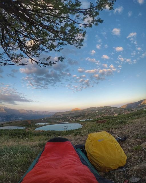 What a view to wake up to.⛰️🌄🏕  thenorthface  mikesport  camping ... (Laklouk)