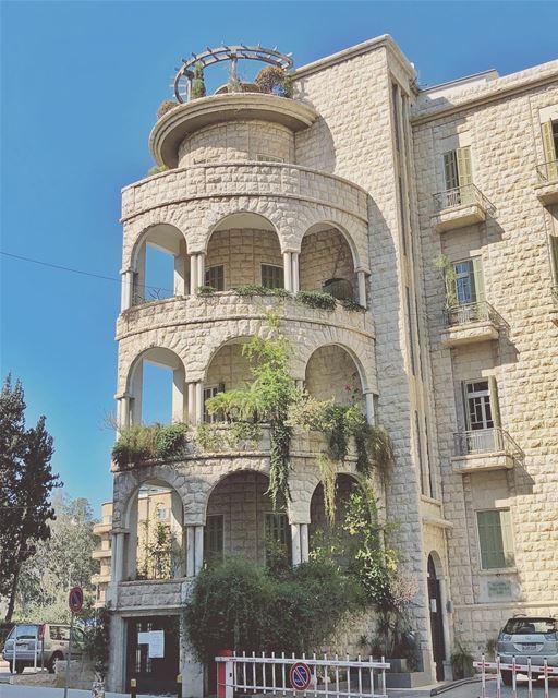 *round round, baby round round••••• tb badaro oldisgold ... (Beirut, Lebanon)