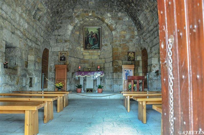 Happy Sunday . church oldchurch churchesoflebanon lebanon travel ... (Jeita-Keserwan)