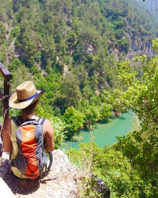 natureaddict lebanesemountains hiker hikingadventures fromthetop ... (Chouwen)