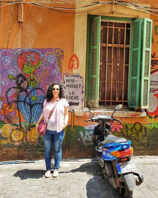 """Hamra splash of colors 🌈Ливанцы - это вам не """"какие-то очередные арабы"""",... (Hamra, Beyrouth, Lebanon)"""